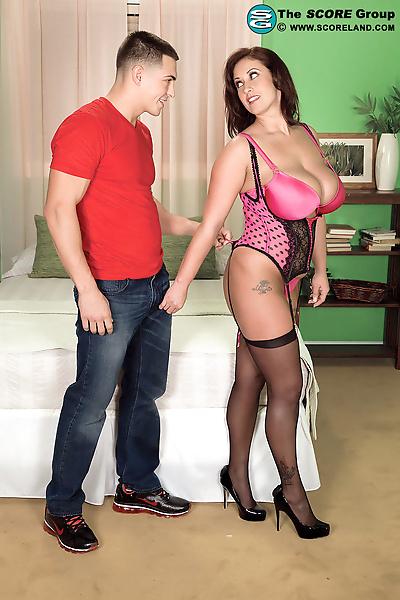 Super busty Eva Notty has..