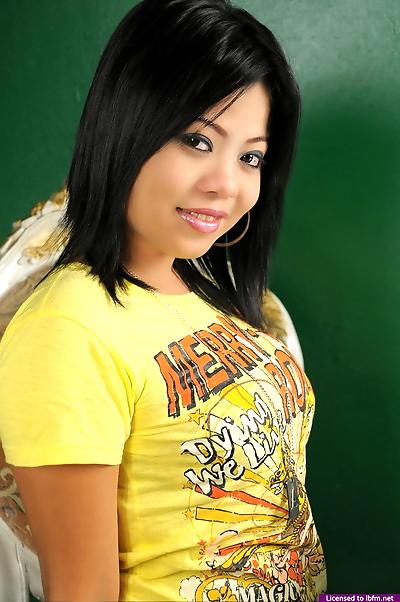 Adorable young Joana bares..