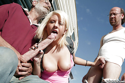 Young babe Tessa Taylor gets..