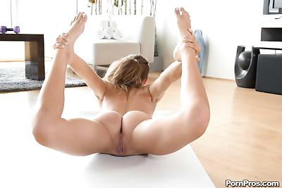 Petite blonde contortionist..