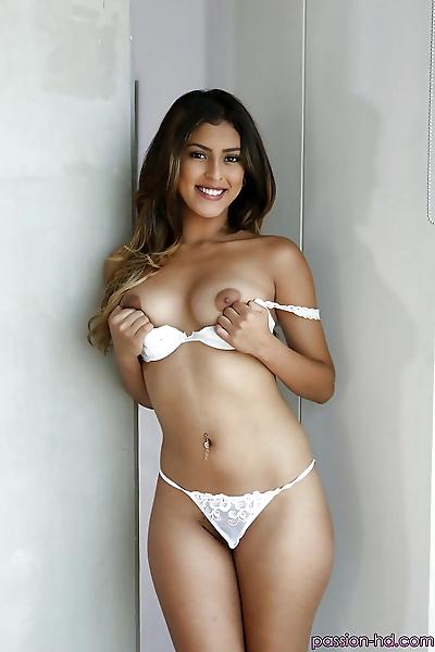 Latina babe Sophia Leone..
